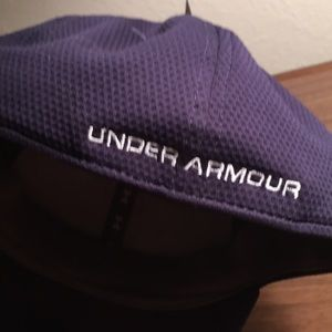 b6124fe39bf Under Armour Accessories - 2018 Under Armour fitted sports hat heat gear